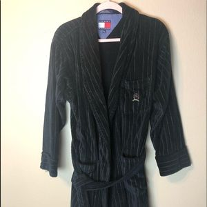Vintage Tommy Hilfiger men's bathrobe